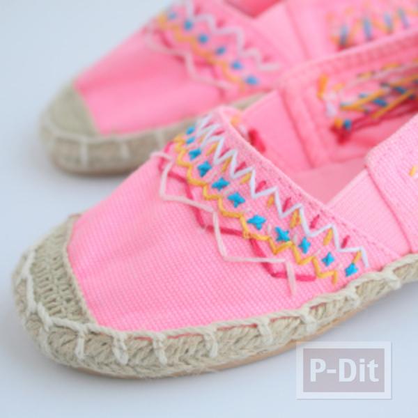 รูป 5 รองเท้าคู่สวย ตกแต่งลายน่ารัก กับด้ายสีสด