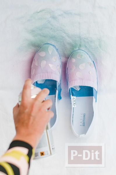 รูป 5 รองเท้าคู่สวย ตกแต่ง พ่นสี ลายไอศกรีม