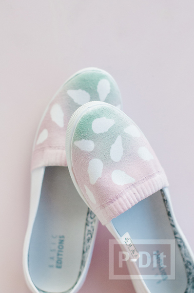 รูป 7 รองเท้าคู่สวย ตกแต่ง พ่นสี ลายไอศกรีม