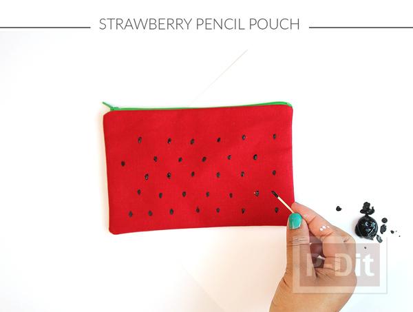 รูป 3 กระเป๋าใส่ของ ตกแต่งลายผลไม้ น่าใช้