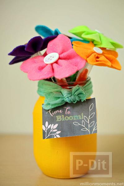 รูป 1 ดอกไม้ผ้า ทำเอง สีสด ประดับกระดุม