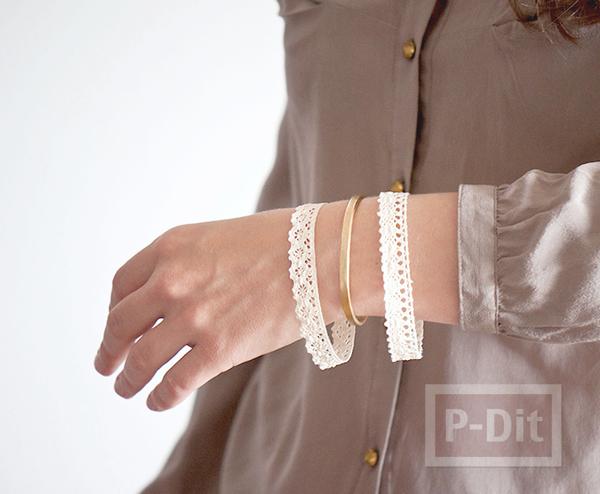 รูป 2 สร้อยข้อมือ ทำจากผ้าลูกไม้ ทากาว