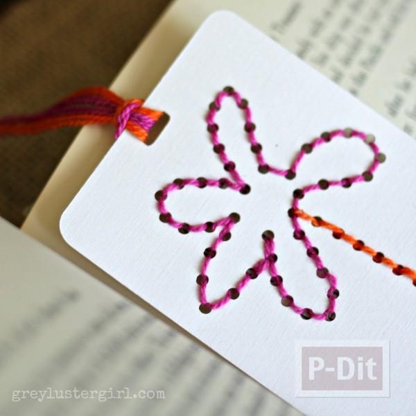 รูป 4 สอนทำที่คั่นหนังสือ ถักดอกไม้ เจาะรู