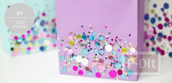 รูป 2 ถุงกระดาษ ตกแต่งเม็ดคริสตัล สีสด