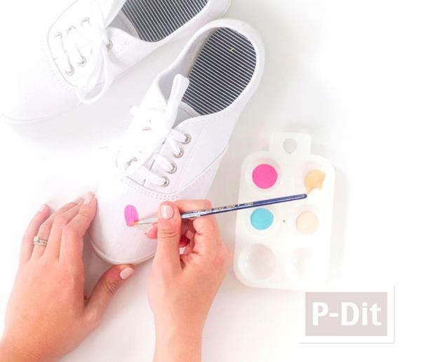 รูป 4 รองเท้าผ้าใบ ระบายสีทำลายไอศกรีม น่ารักๆ