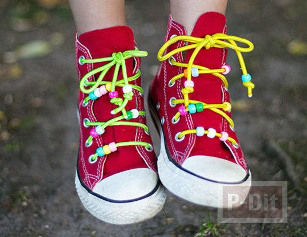 สายรองเท้าผ้าใบ ทำจากเชือกสีสด