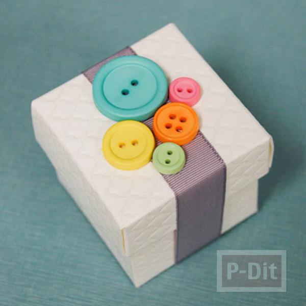 กล่องของขวัญ ตกแต่งประดับกระดุม สีสด