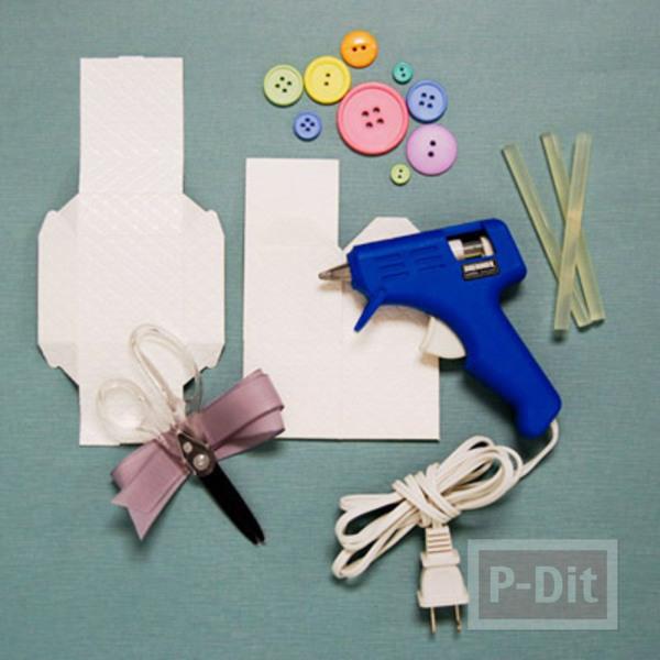 รูป 3 กล่องของขวัญ ตกแต่งประดับกระดุม สีสด
