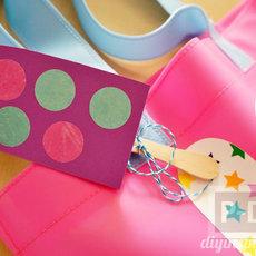 ที่ห้อยกระเป๋าสวยๆ ทำจากกระดาษสีสดใส