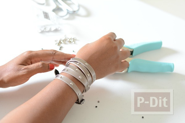 รูป 2 สอนทำสร้อยข้อมือ จากเข็มขัดเส้นเล็กๆ