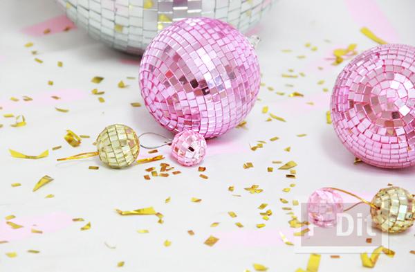 ลูกบอลประดับ ทาสีสวย ระยิบระยับ