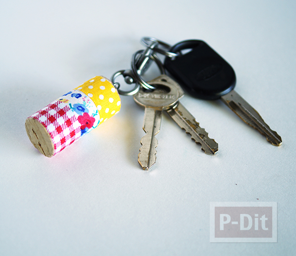 รูป 1 พวงกุญแจไม้ก็อกสวยๆ ประดับสก็อตเทปลายน่ารัก