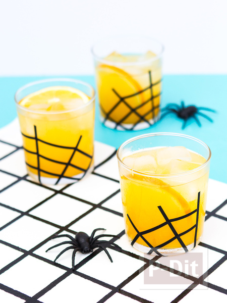 รูป 4 แก้วน้ำ ตกแต่งลายใยแมงมุม วันฮาโลวีน