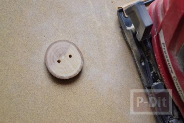 รูป 4 ทำกระดุม จากกิ่งไม้