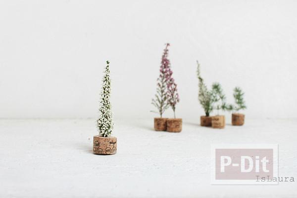 รูป 3 กระถางดอกไม้เล็กๆ ทำจากจุกไวน์