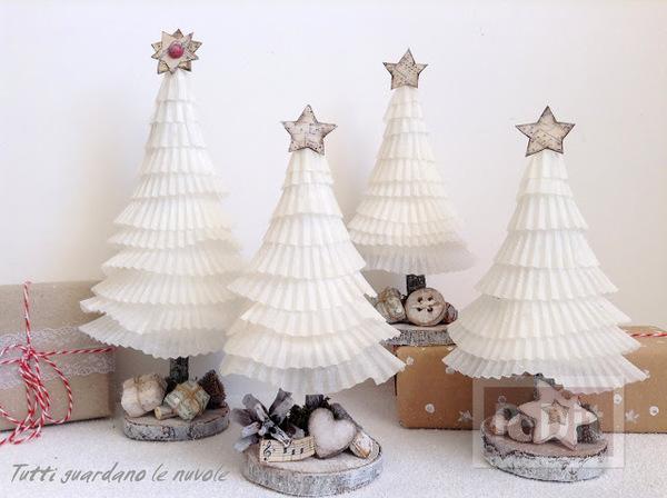 ต้นคริสต์มาสน่ารัก ทำจากถ้วยขนมคัพเค้ก
