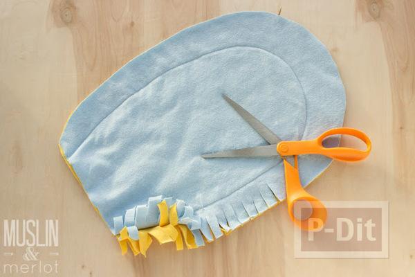 รูป 5 สอนทำถุงมือทำความสะอาด จากเสื้อยืดเก่าๆ