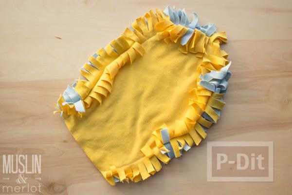 รูป 6 สอนทำถุงมือทำความสะอาด จากเสื้อยืดเก่าๆ