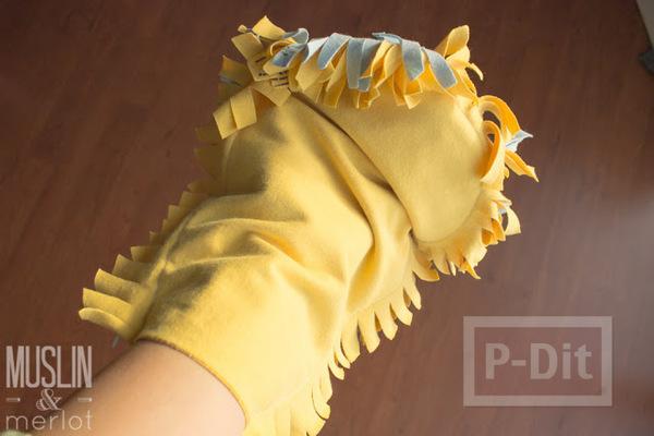 รูป 7 สอนทำถุงมือทำความสะอาด จากเสื้อยืดเก่าๆ