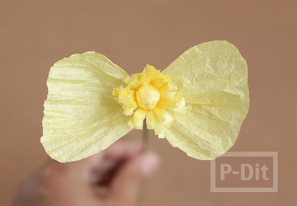 รูป 6 ดอกไม้กระดาษ สีสวย ประดับแจกัน