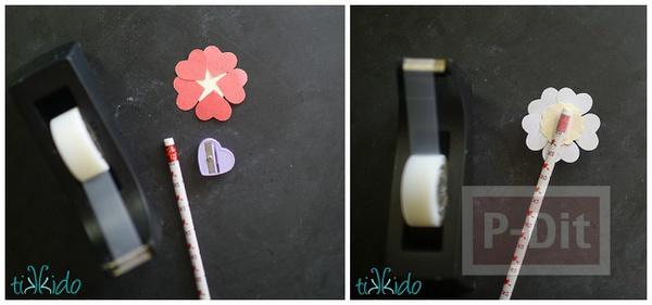 รูป 2 ดอกไม้กระดาษ กลีบดอกเป็นรูปหัวใจ สีหวาน