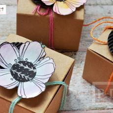 ดอกไม้กระดาษ ตกแต่งกล่องของขวัญ