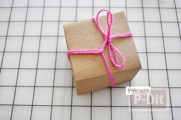 รูป 4 ดอกไม้กระดาษ ตกแต่งกล่องของขวัญ