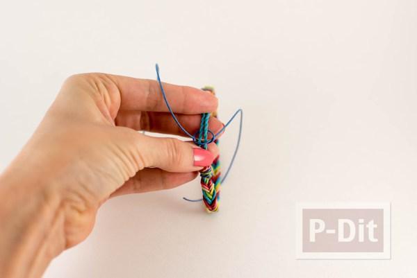 รูป 4 สอนถักสร้อยข้อมือสีรุ้ง