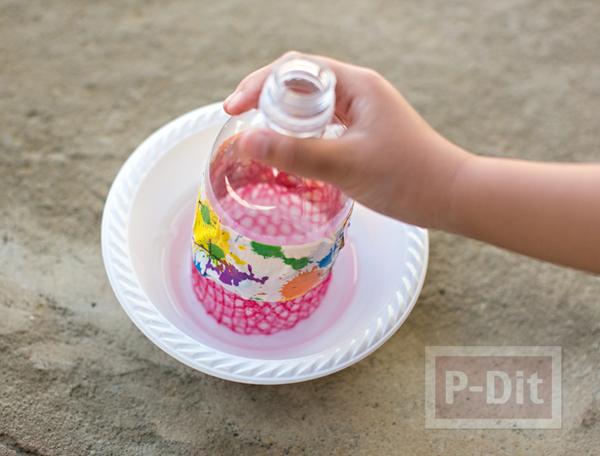 รูป 2 ของเล่นเด็ก เป่าฟองสบู่ จากขวดพลาสติกหุ้มตาข่าย