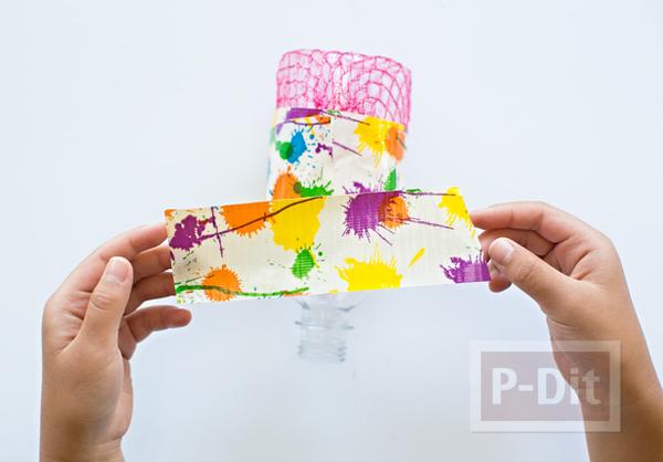 รูป 4 ของเล่นเด็ก เป่าฟองสบู่ จากขวดพลาสติกหุ้มตาข่าย