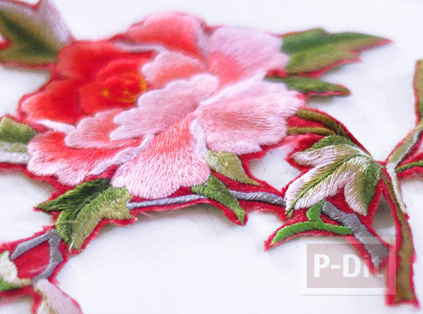 รูป 4 กางเกงยีนส์ ปักลายดอกไม้ จากเสื้อเก่าๆ