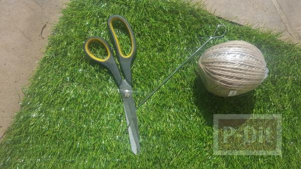 รูป 5 พรมเช็ดเท้าทำจากหญ้าปลอม ตกแต่งขอบด้านข้างด้วยเชือก