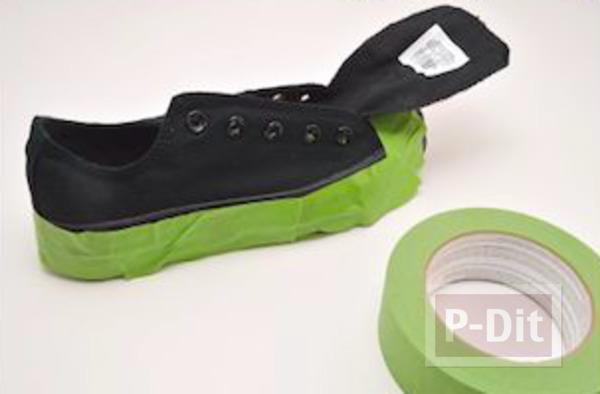 รูป 4 ระบายสีรองเท้าผ้าใบ ด้วยสีทาเล็บ