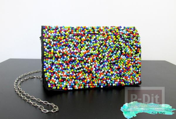รูป 3 กระเป๋าถือ ตกแต่งประดับเม็ดพลาสติก หลากสี