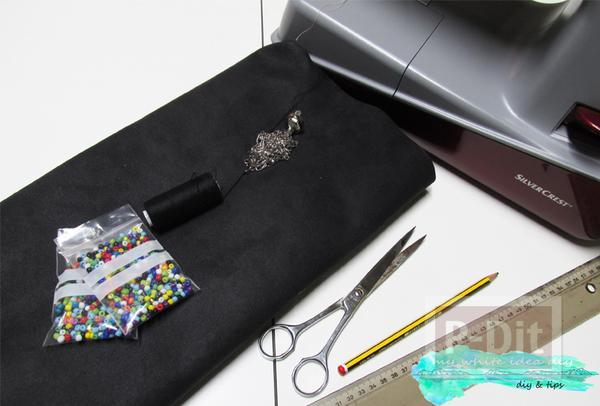 รูป 5 กระเป๋าถือ ตกแต่งประดับเม็ดพลาสติก หลากสี