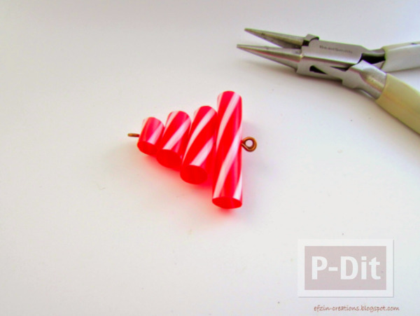 รูป 6 พวงกุญแจต้นคริสต์มาส หลอดสีสด ทำเองแบบง่ายๆ