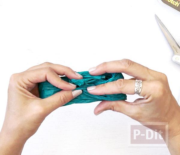 รูป 4 โบว์ประดับกล่องของขวัญ ทำจากกระดาษสีสด