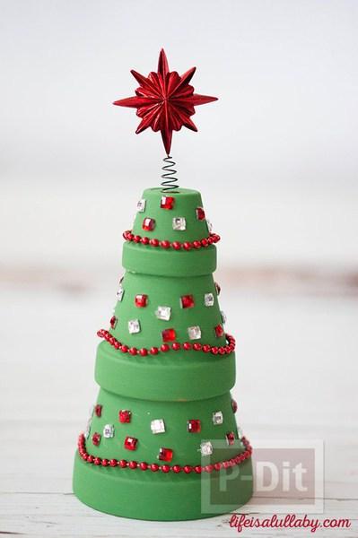 รูป 1 ต้นคริสต์มาส ทำจากกระถางต้นไม้ สวยๆ