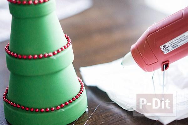รูป 2 ต้นคริสต์มาส ทำจากกระถางต้นไม้ สวยๆ