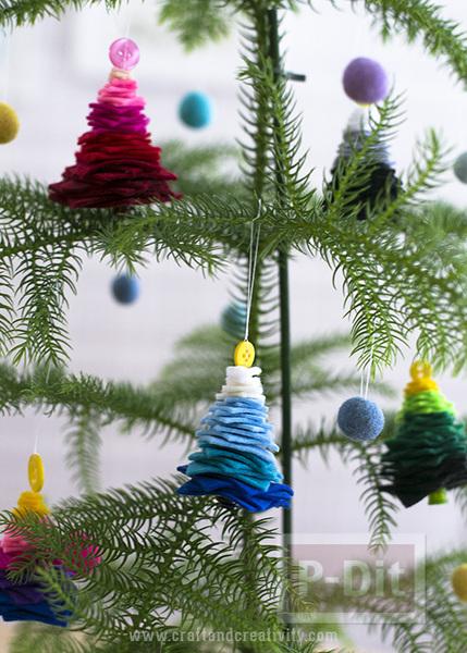 รูป 5 ต้นคริสต์มาส ต้นเล็กๆประดับ เทศกาลคริสต์มาส