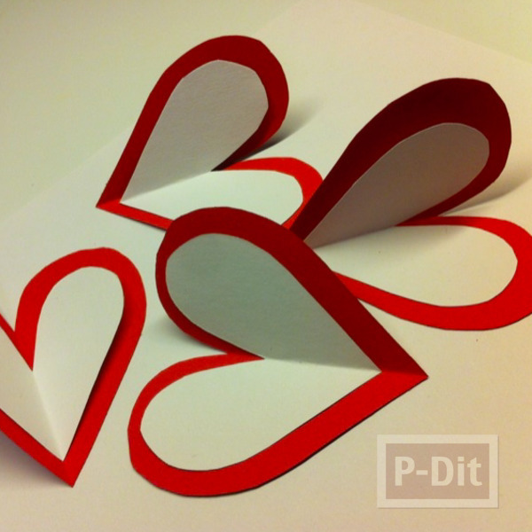 รูป 3 ดอกไม้ ทำจากกระดาษรูปหัวใจ เกสรช็อคโกแลต