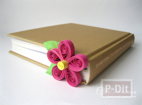ที่คั่นหนังสือ ลายดอกไม้กระดาษ ม้วนเป็นกลีบสีสด