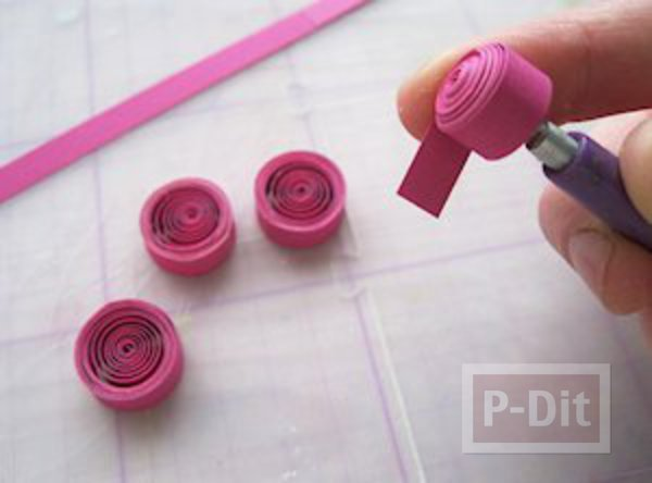 รูป 7 ที่คั่นหนังสือ ลายดอกไม้กระดาษ ม้วนเป็นกลีบสีสด