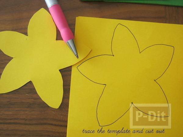 รูป 2 ดอกไม้กระดาษ สีเหลืองสดใส เกสรถ้วยคัพเค้ก
