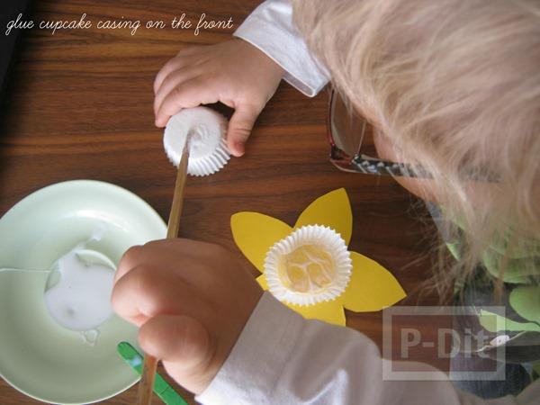 รูป 4 ดอกไม้กระดาษ สีเหลืองสดใส เกสรถ้วยคัพเค้ก