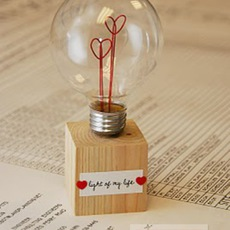 ที่เดียทำที่ทับกระดาษ รูปหัวใจ ใส่หลอดไฟ