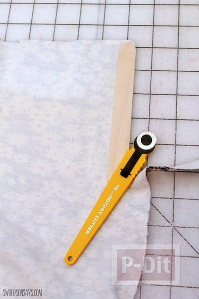 รูป 3 ไอเดียทำที่คั่นหนังสือ จากไม้ไอติม ประดับลายผ้า