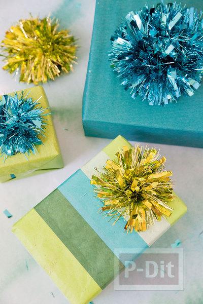 รูป 3 โบว์ตกแต่งกล่องของขวัญ ทำจากพู่ประดับ