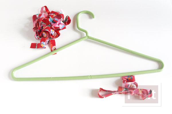 รูป 2 ไม้แขวนเสื้อสีสวย หุ้มผ้าลายดอก