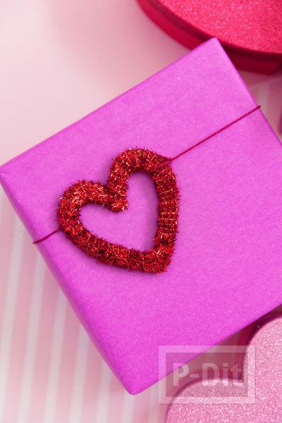 รูป 4 โบว์ประดับกล่องของขวัญ รูปหัวใจ ประดับพู่